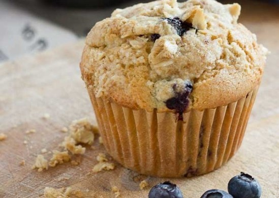 Blueberry-Cheesecake-Muffins-1-550x791